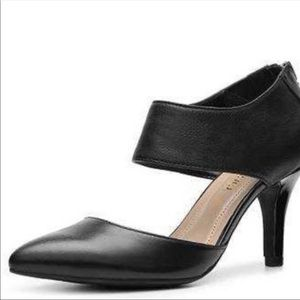 NWT Ellen Tracy Bess pump heel